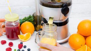 Masticating vs centrifugal juicer