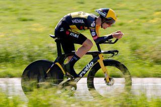 Finn Fisher-Black (Jumbo-Visma) races to third in the Baloise Belgium Tour time trial