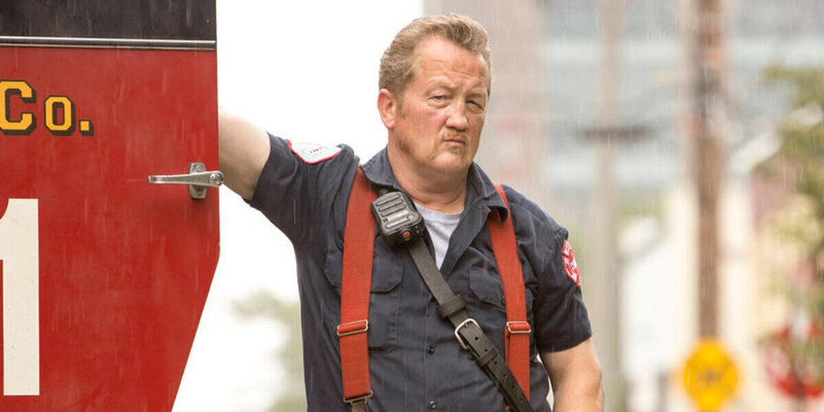Chicago Fire: Casey And Mouch Are In Trouble After 'Improvising' In Exclusive New Episode Clip