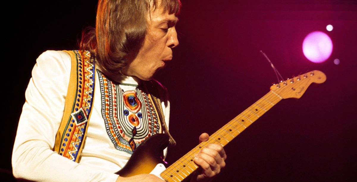 how to play robin trower 39 s bridge of sighs guitarworld. Black Bedroom Furniture Sets. Home Design Ideas