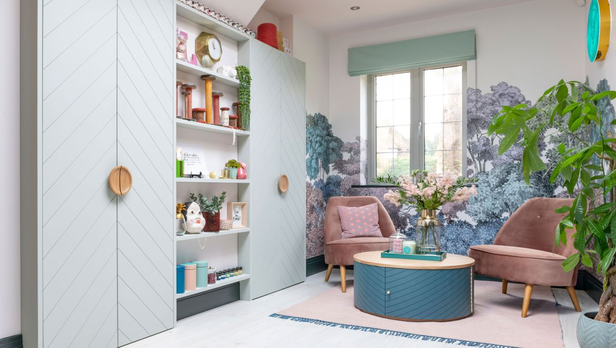 Designer's beautiful home office shows off her skills. Take a look!
