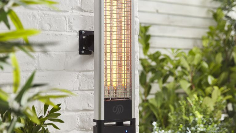 Patio heater deals: Swan Wall Mounted Patio Heater