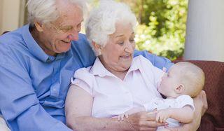 grandparents-baby-101213-02