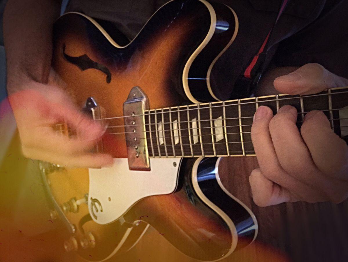 Rhythmic Soloing Exercise for the Improvising Guitarist