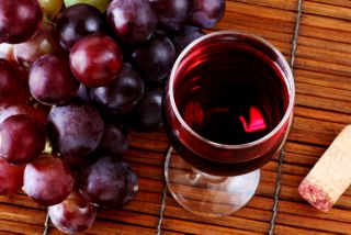 glass of wine, grapes, health, resveratrol