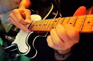 applying modes to improvised guitar solo ideas part 1 guitarworld. Black Bedroom Furniture Sets. Home Design Ideas