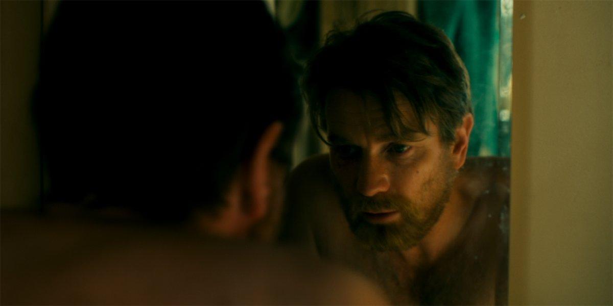 How Ewan Mcgregor Approached Dan Torrance S Alcoholism In Doctor Sleep Cinemablend