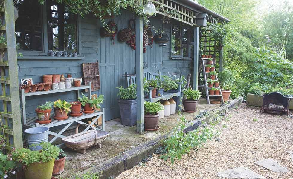 Be Inspired To Create A Romantic And Nostalgic Cottage Garden