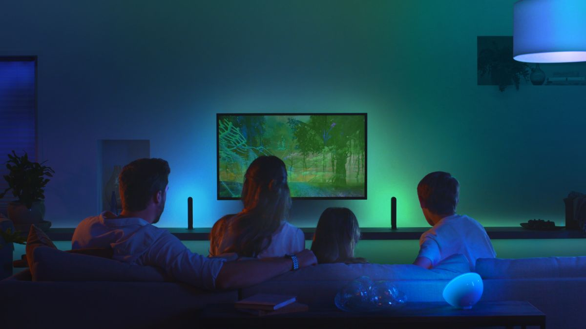Philips Hue bulbs can now hook up to your TV screen for immersive lighting