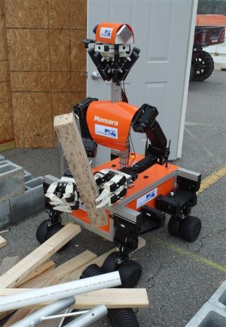 Momaro robot