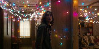 stranger things season 1 episode 3 joyce christmas lights netflix
