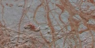 Linear Fractures on Europa