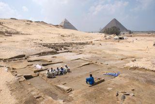 giza discoveries, giza pyramids