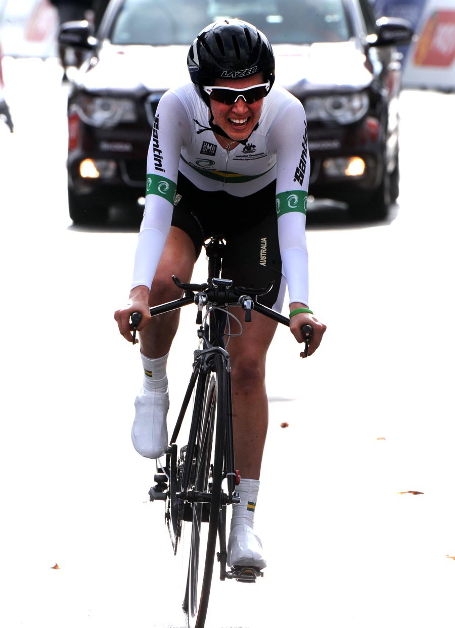 Jessica Allen wins, Junior women TT, Road World Championships 2011