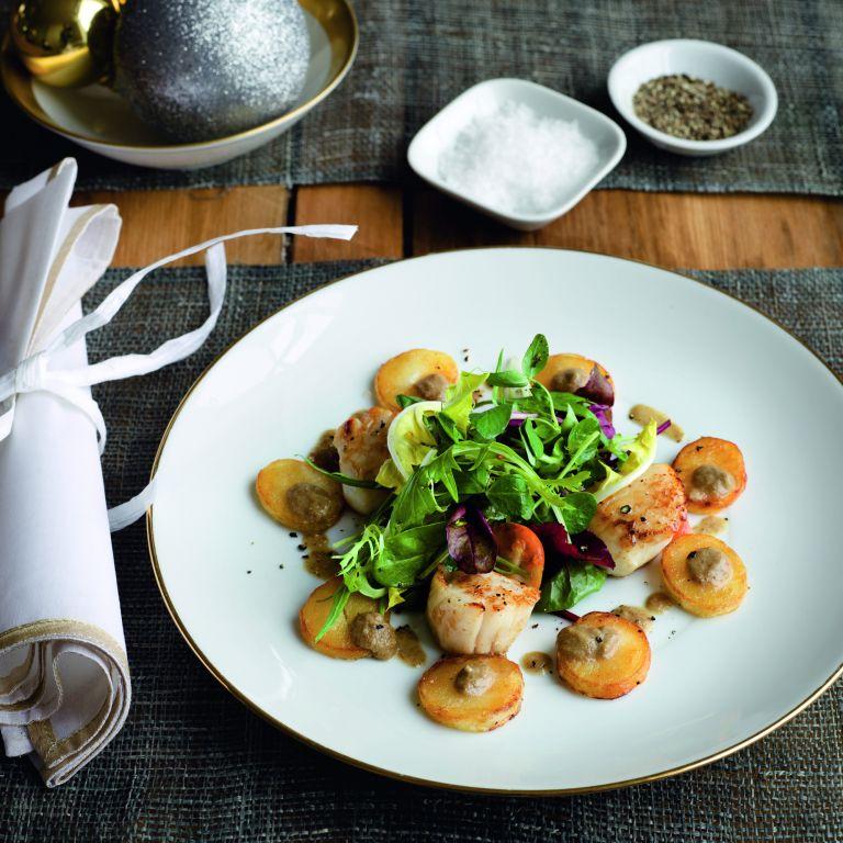 Gordon Ramsay S Pan Fried Scallops Starter Recipes Woman Home