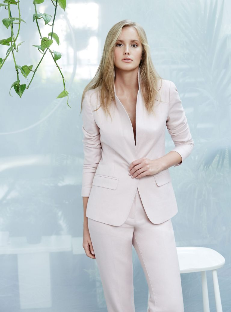 Why Women S Suits Are Making A Comeback Woman Home