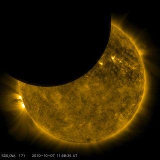 Stunning Spacecraft Photos Show Moon Eclipsing the Sun