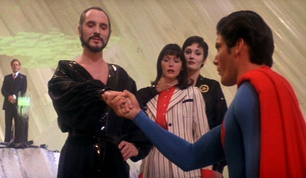 Superman II Terrence Stamp Margot Kidder Christopher Reeves Zod takes Superman's hand