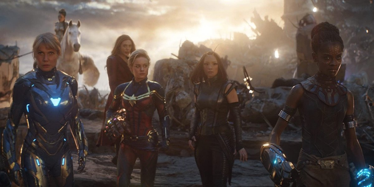 the women heroes together in Endgame