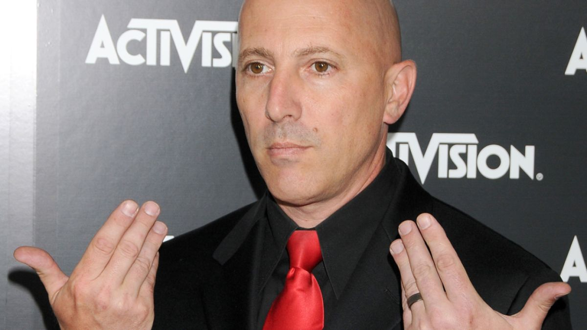 Maynard James Keenan awarded jiu-jitsu purple belt