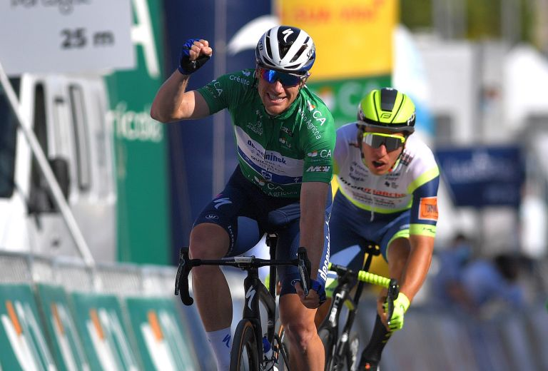 Sam Bennett wins stage three of the Volta ao Algarve 2021