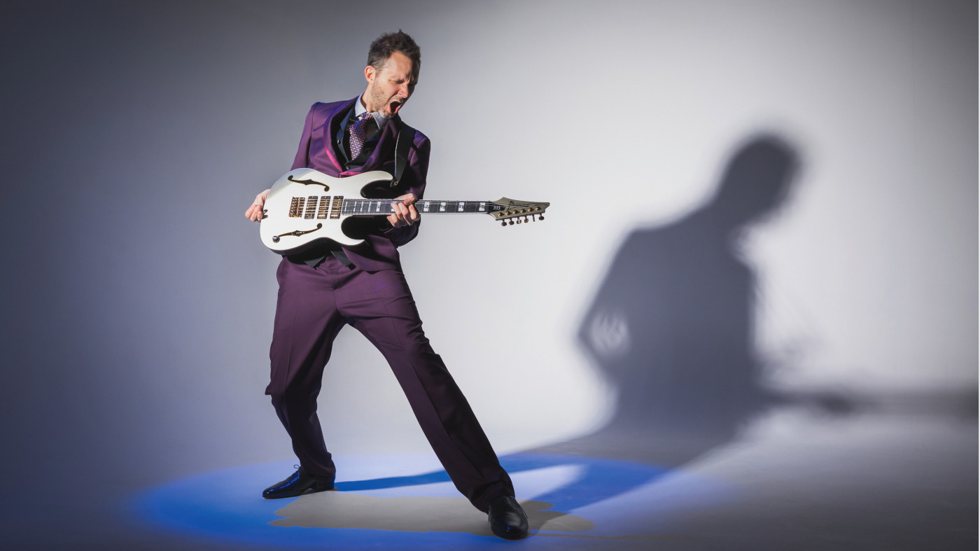 Paul Gilbert shows you how to play his blistering guitar licks with this video masterclass | MusicRadar