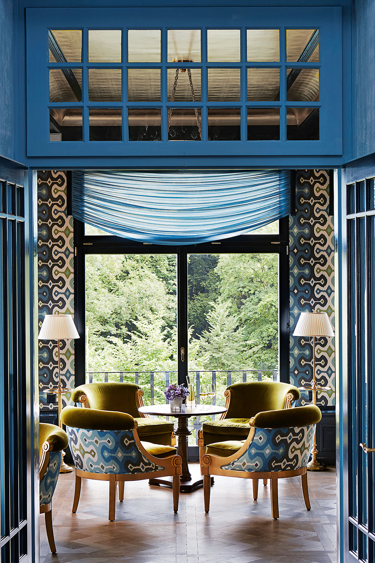 The Gütsch Bar In Switzerland With Martyn S Adras Ikat Print Replicated On Both Walls And Upholstery