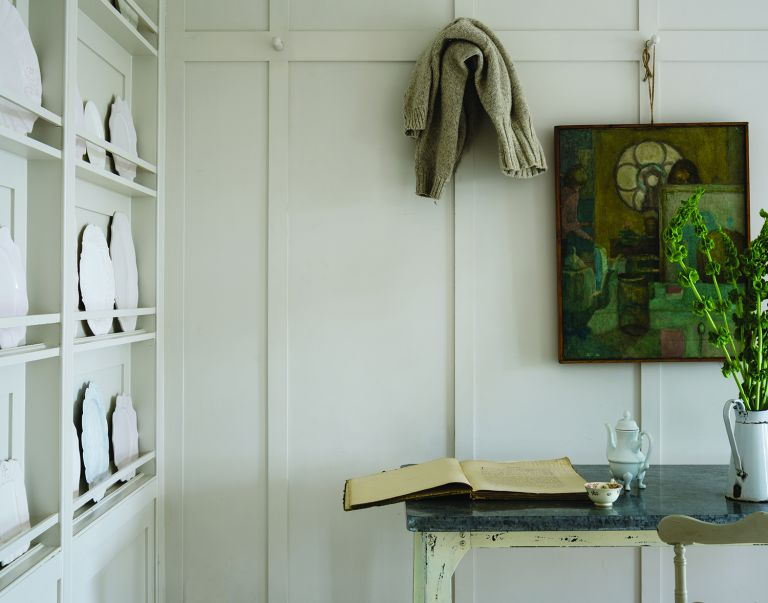 best white paint for interior walls - Farrow and Ball's School House White