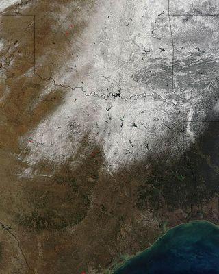texas-snow-110207-02