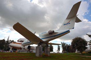 shuttle training aircraft nasa 945