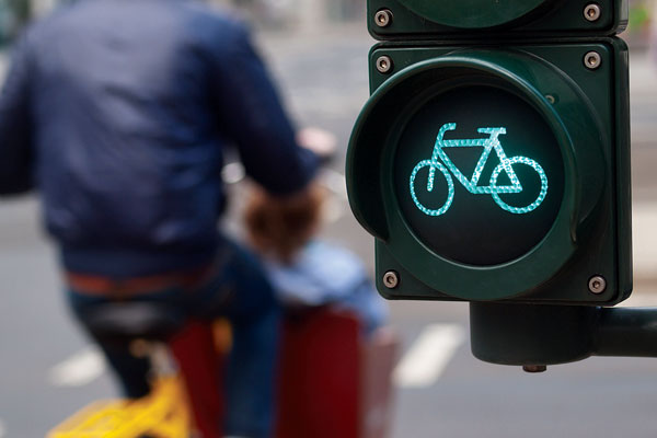 Cycle low-level traffic lights