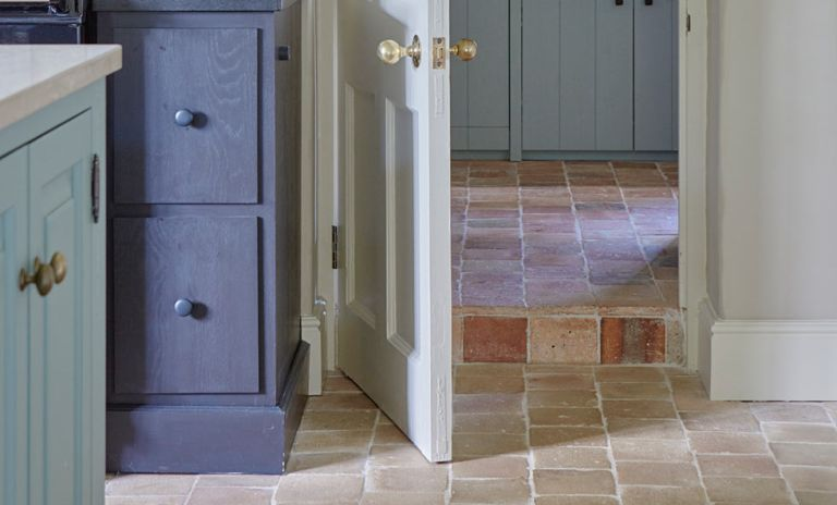 How to clean terracotta floor tiles