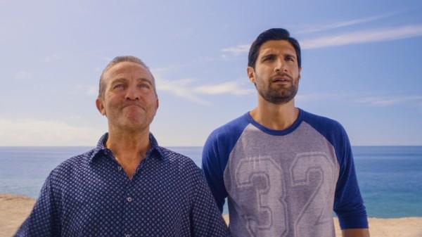 Kayvan Novak and Bradley Walsh on the beach (Happy Tramp/BBC))