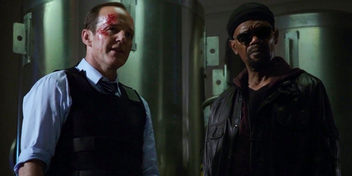 Clark Gregg as Phil Coulson and Samuel L. Jackson as Nick Fury on Agents of S.H.I.E.L.D. (2014)
