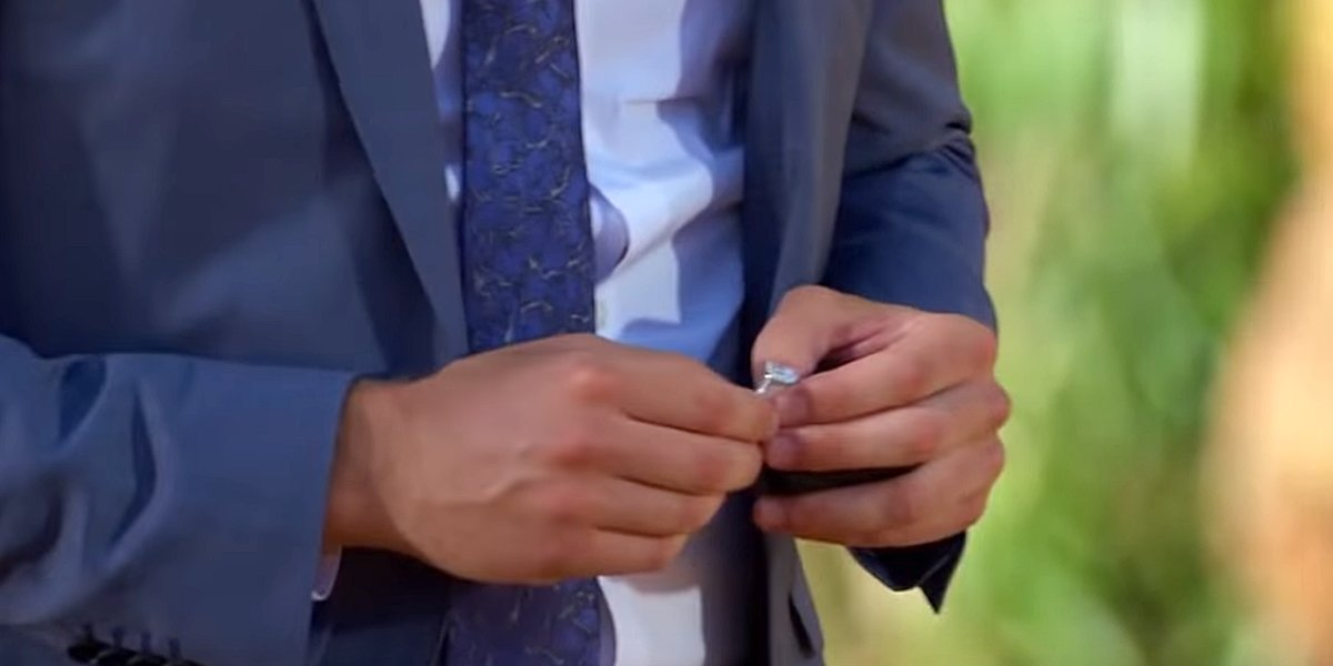 The Bachelor 2020 Peter Weber holds engagement ring final rose ceremony Australia ABC