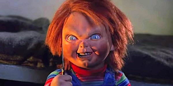 child's play chucky holding a knife