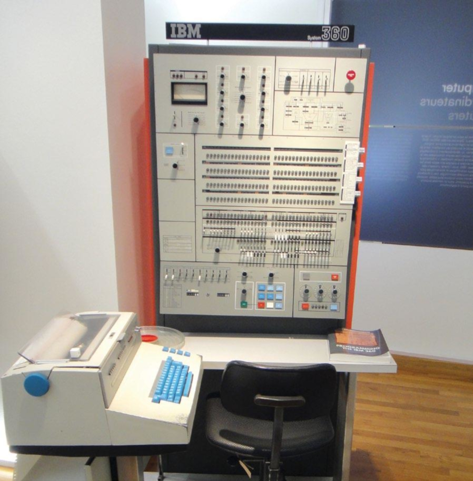 Credit: Sandstein, CC BY-SA 3.0 https://commons.wikimedia.org/wiki/File:IBM_system_360-50_console_-_MfK_Bern.jpg