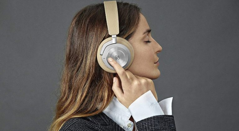 Hurry! This Amazon deal takes $50 off the excellent Bose 700