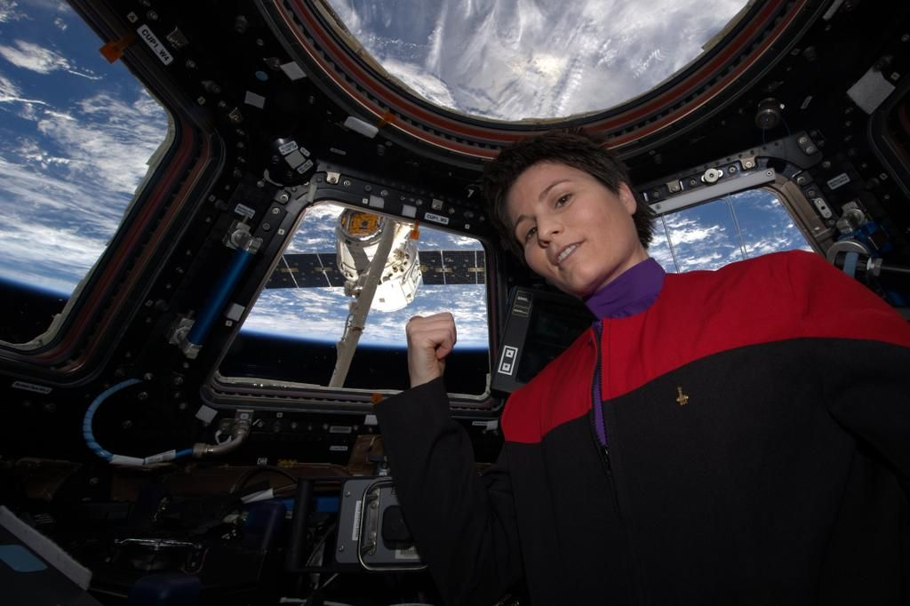 Astronaut Samantha Cristoforetti Wears 'Star Trek' Uniform in Space (Photo)