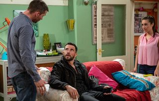 Emmerdale spoilers! Pete Barton worries when his brother Ross Barton lines up a date with Rebecca White