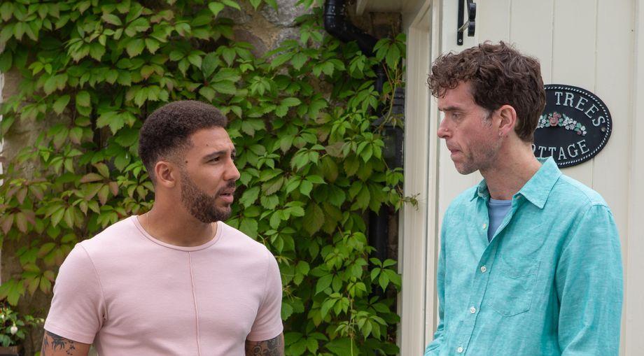 Billy warns Marlon about Al in Emmerdale