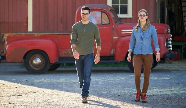 Superman Supergirl Tyler Hoechin Melissa Benoist Elseworlds The CW