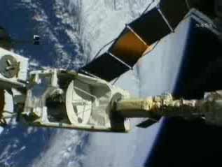 Japanese Experiments Moved to Space Station