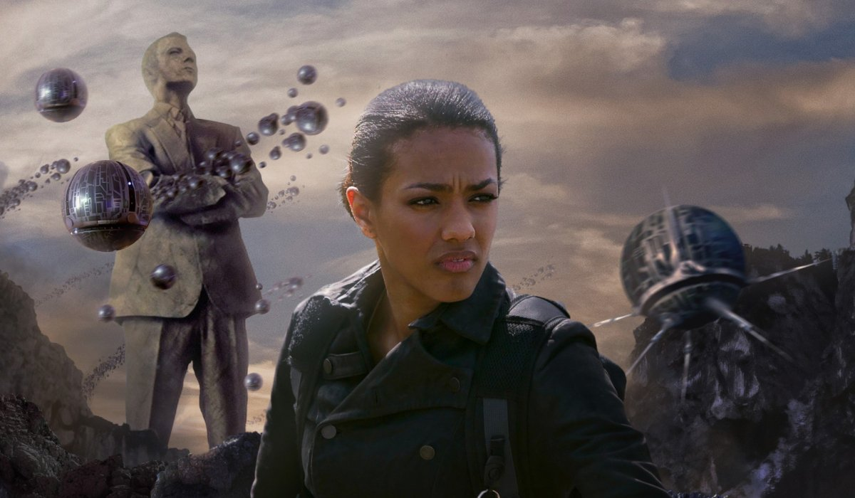 Doctor Who Martha wanders in front of monuments to The Master