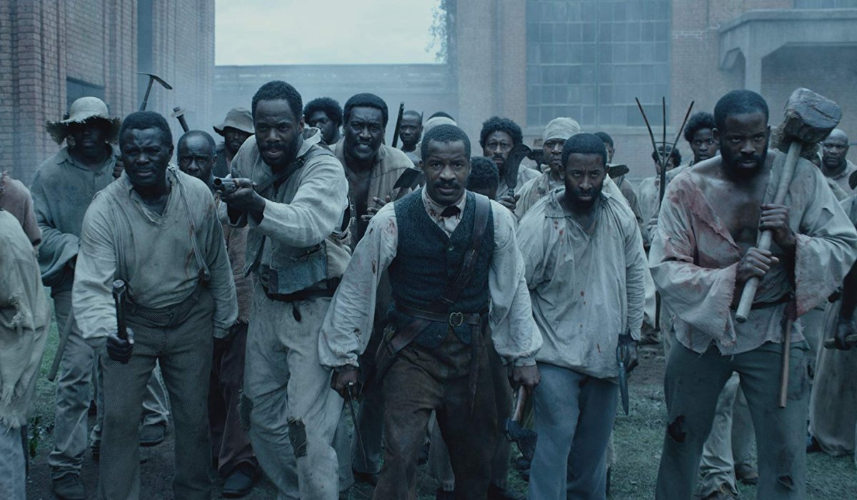 Birth of a Nation Nate Parker stands in the middle of a battle formation