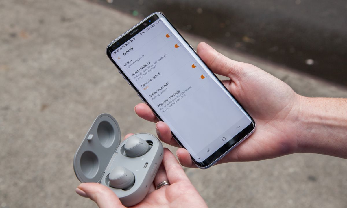 Samsung Gear IconX (2018) Review: These Wireless Buds Have