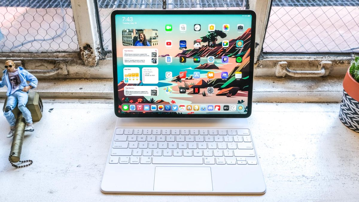 Ipad Pro 2021 12 9 Inch Review Tom S Guide