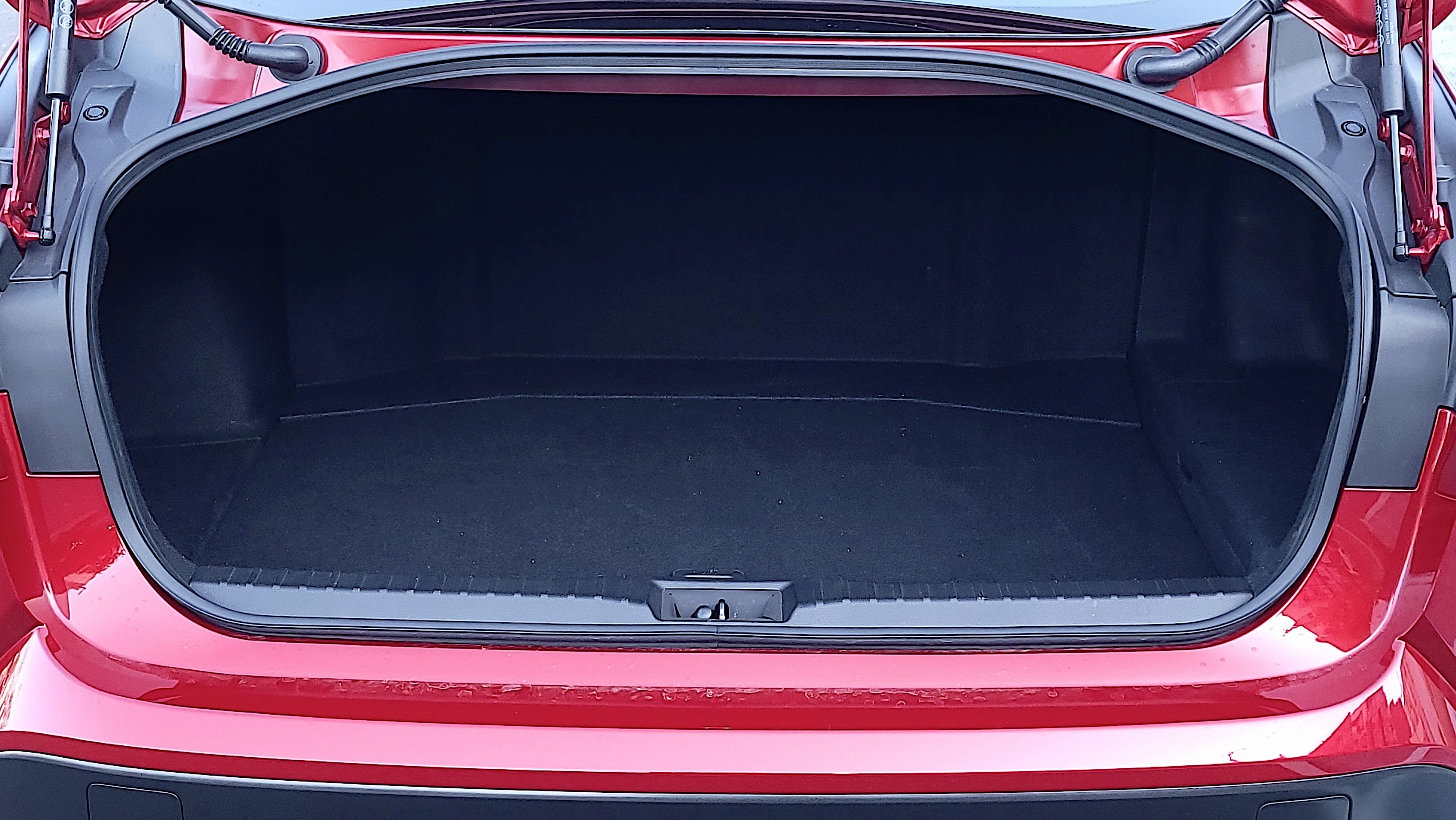 Open tailgate showing the trunk of the Toyota Mirai (2021)