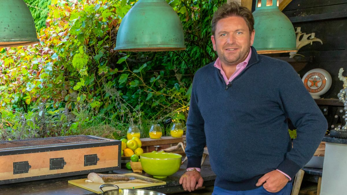 James Martin's outdoor kitchen is immense, take a look...