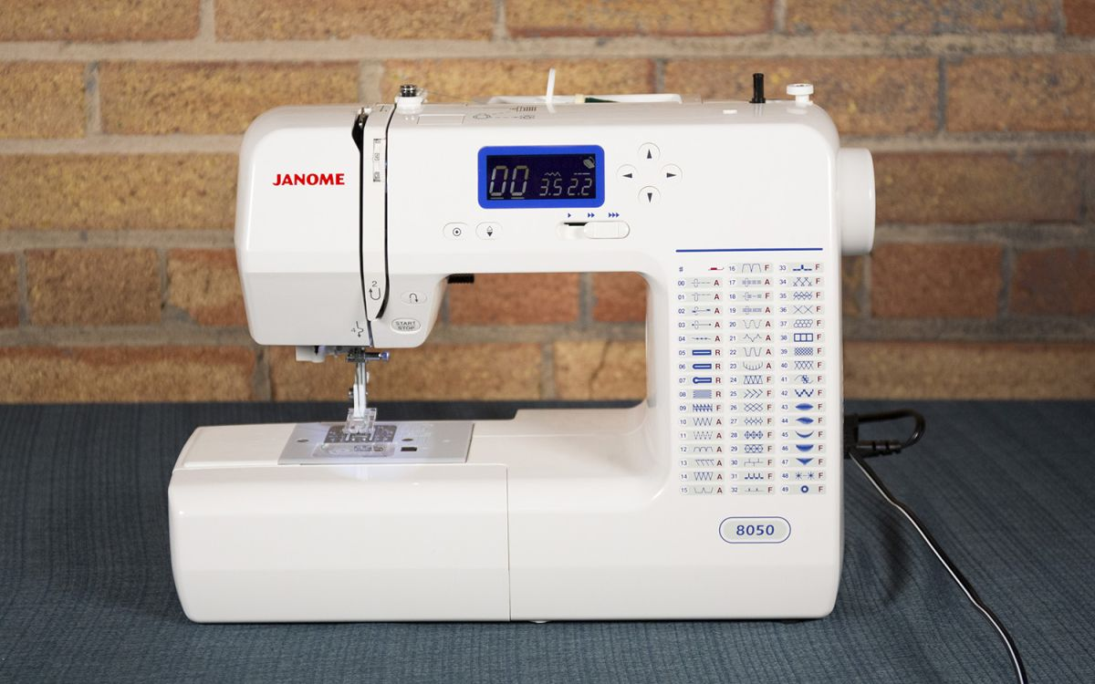 Best Sewing Machines 2019 - Singer vs  Janome vs  Brother vs  Juki